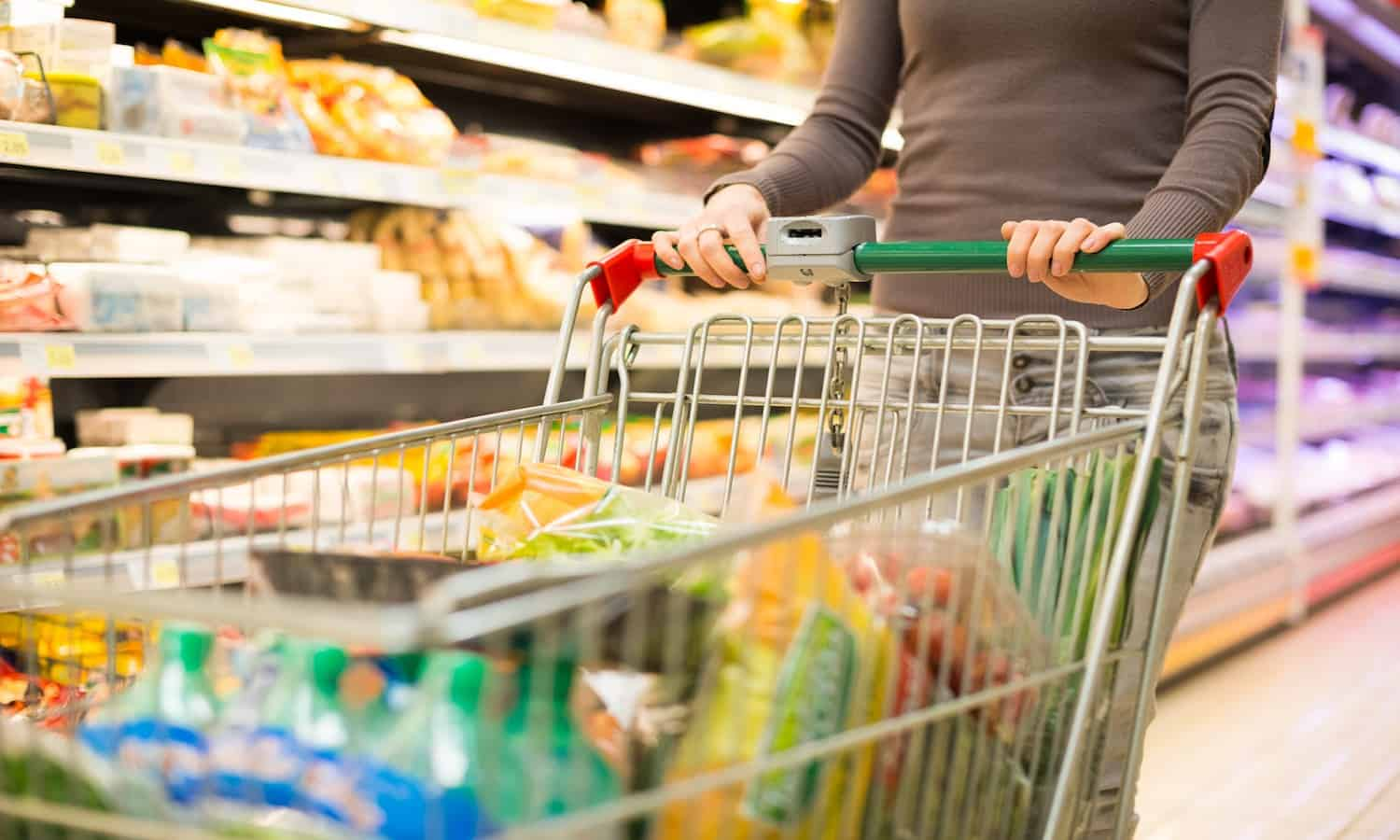 Major UK supermarkets are to publish food waste data after agreeing on a new, common methodology for reporting.