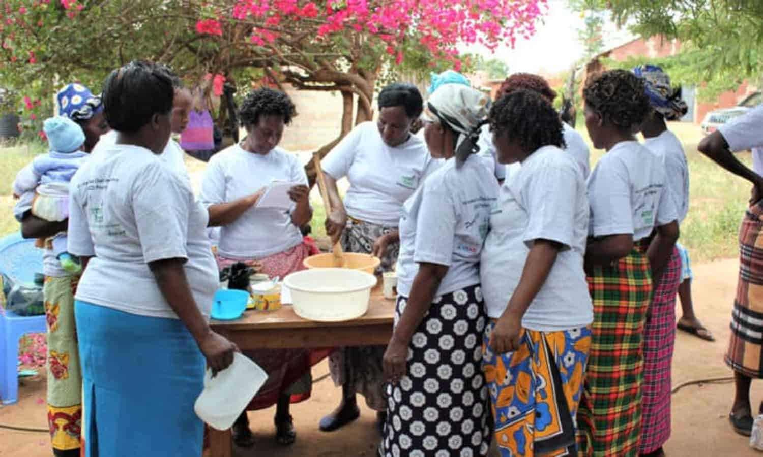 ICRISAT is fighting malnutrition and undernutrition in Kenya with participatory cooking trainings and demonstrations for women.