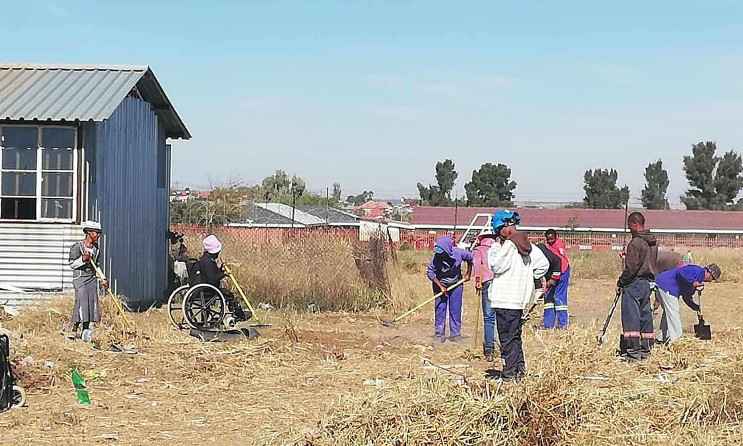 Humanitarian organization INMED will install and update aquaponics systems for cooperatives of disabled farmers in South Africa to help them integrate better into the economy.