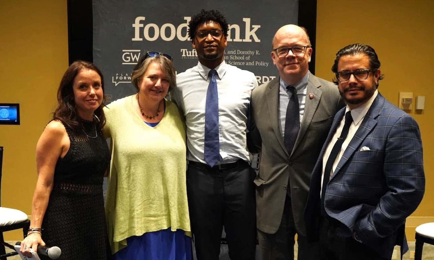 Food Tank visited the U.S. Capitol to talk to food and health experts proving to policymakers that better food and agriculture policies transform health.