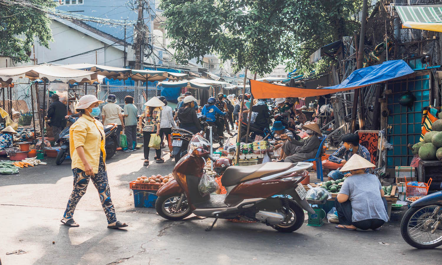 Closing wet markets in an attempt to prevent another COVID-19-like pandemic may have unintended consequences, experts warn.