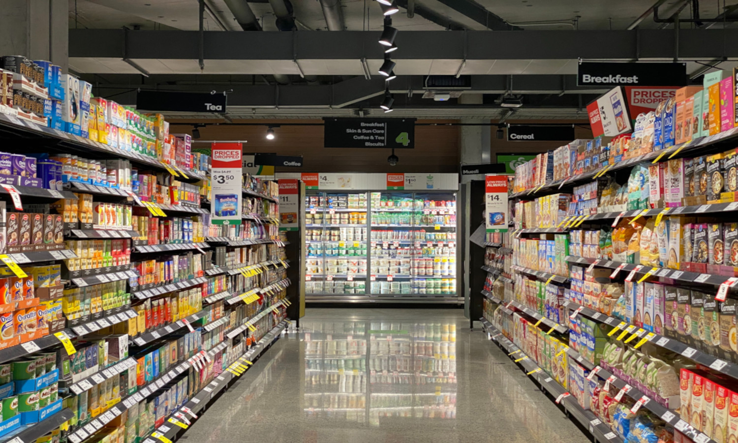 A recent report by the Rockefeller Foundation finds that the true cost of food in the U.S. is triple what the Americans currently spends on food.